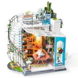 Dora's Loft